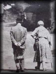 Agatha_Christie_With_Max_Mallowan_05[1]