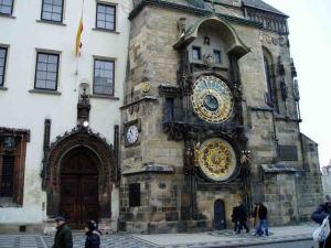 reloj-astronomico-praga_pxl_fd7968248ec79f3b389bbab094977611[1]